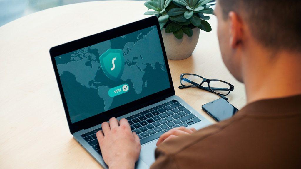 Online Meeting Computer  - Danny144 / Pixabay